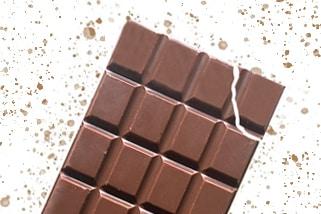 croquez-votre-tablette-de-chocolat-au-lait-caramel-personnalisable