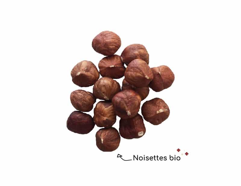 les-noisettes-bio-de-chocokada-se-melangent-tres-bien-avec-le-chocolat-au-lait