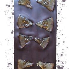 croquez-la-tablette-de-chocolat-noir-bio-avec-des-oranges-confites-bio-de-chocokada